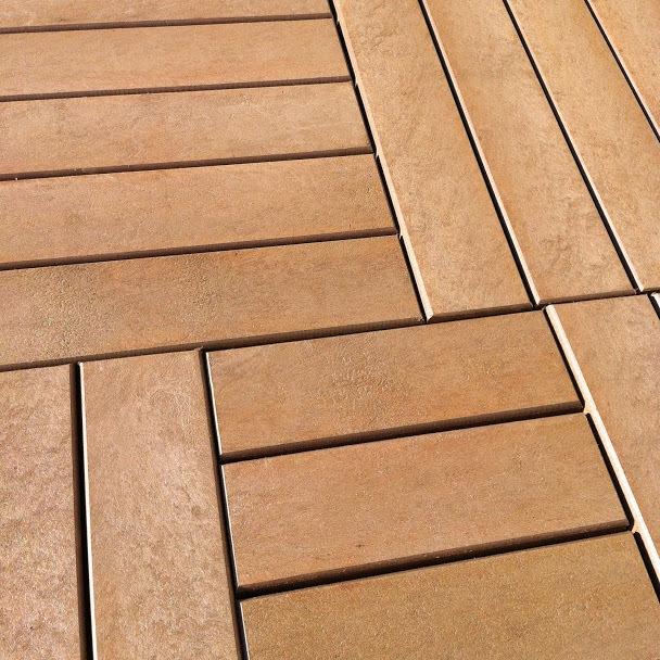 deck de madeira plástica rewood. Identico a madeira comum